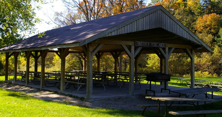 Picnics shelter at boyd conservation area