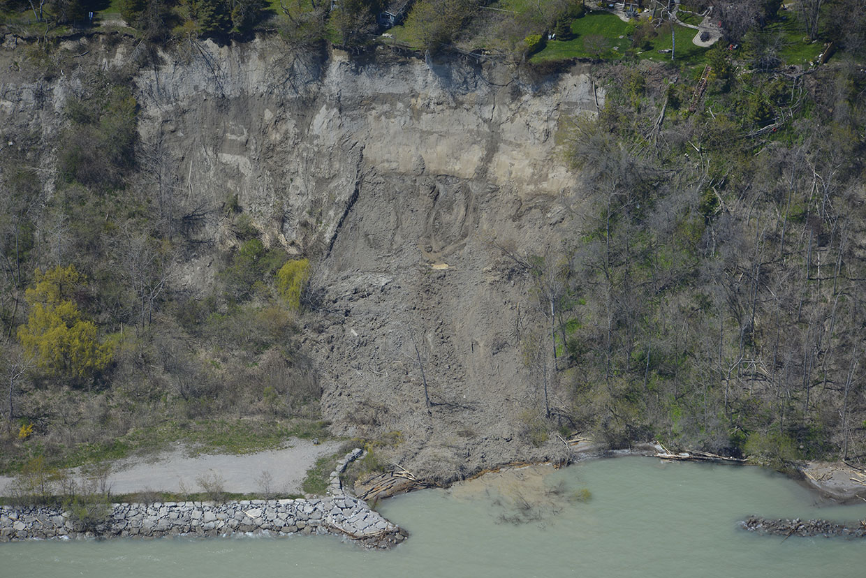 landslide on Scarborough Bluffs