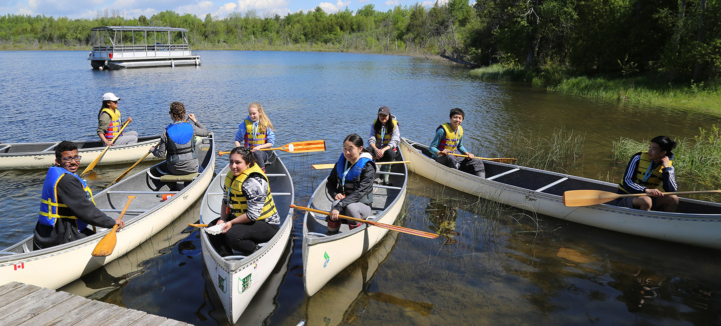 students canoeing at Lake St George Field Centre