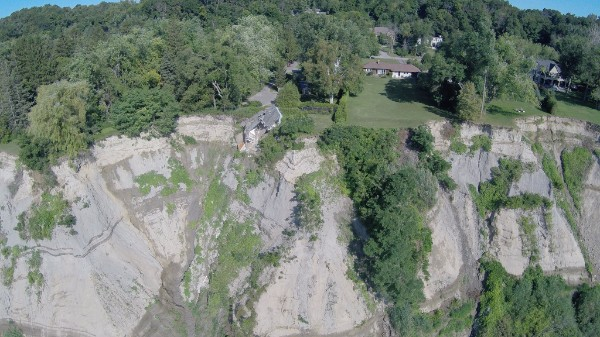 Groundwater seepage on the Scarborough Bluffs