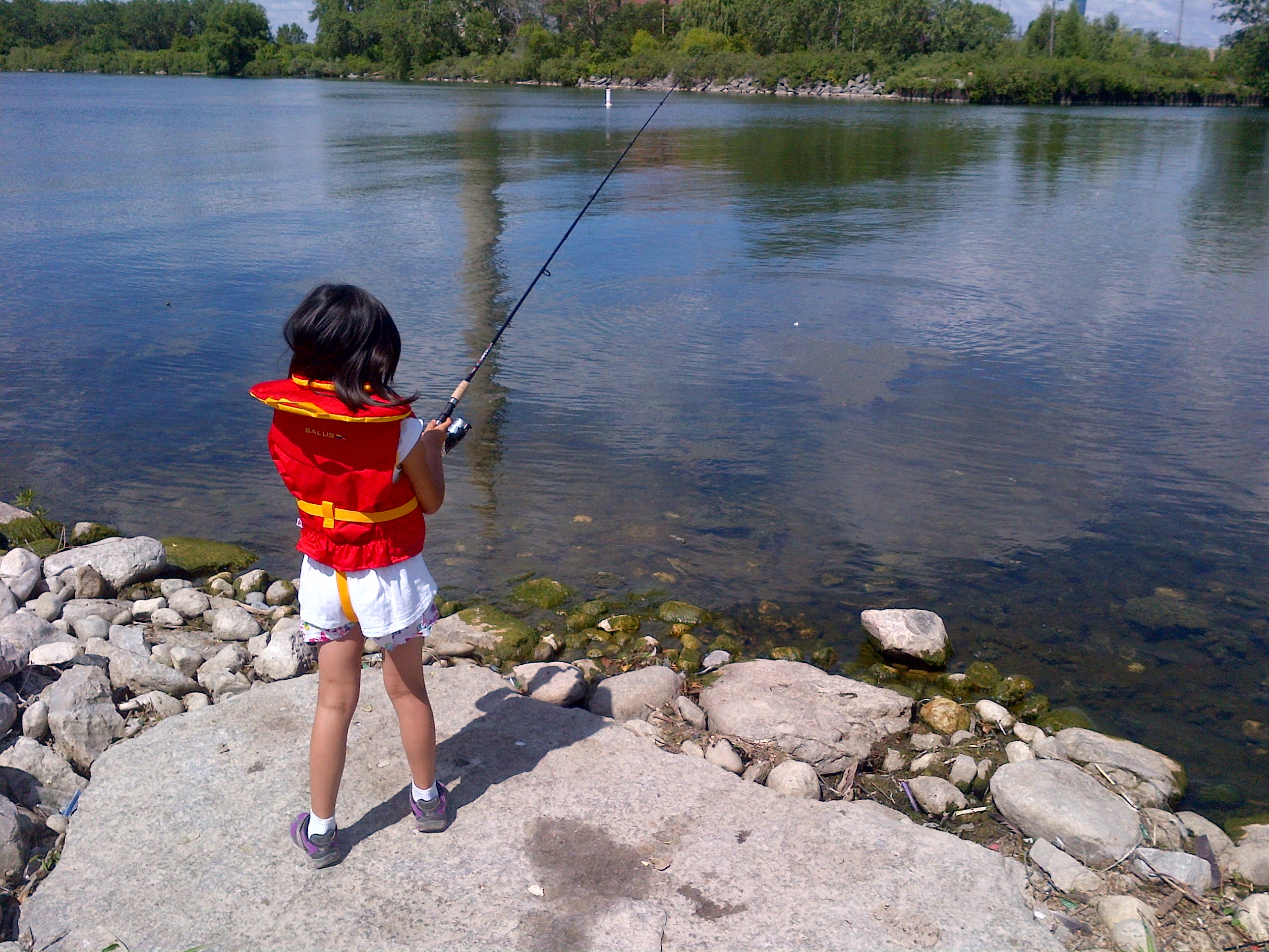 Learn to Fish @ Tommy Thompson Park | Toronto | Ontario | Canada