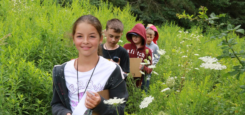 kids explore trail at Albion Hills Field Centre